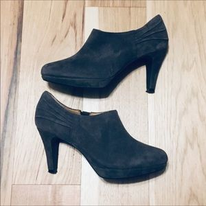 Clarks Wessex Azure Ankle Boots Size 7.5